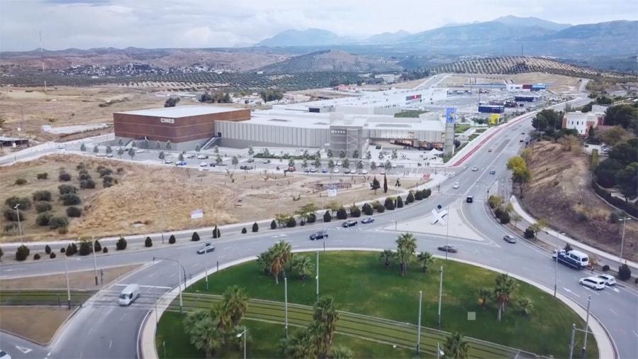 Reconocidas firmas en Centro Comercial Jaén Plaza